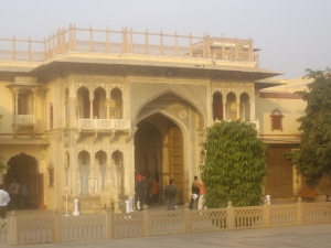 Jaipur-palace-entrance