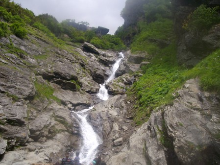 Water falls while descending from Rohatang Pass